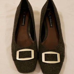 Liz Claiborne Size 7 M Gray Flats Rounded Toe